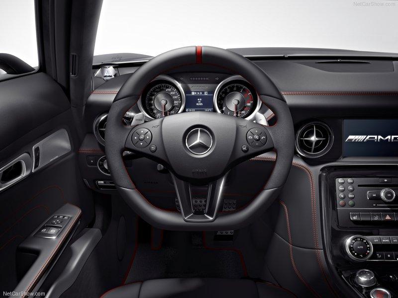 http://www.dmarge.com/wp-content/uploads/2012/06/Mercedes-Benz-SLS_AMG_GT_2013_800x600_wallpaper_04.jpeg
