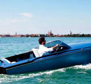 giorgetti-535-black-edition-speed-boat-4