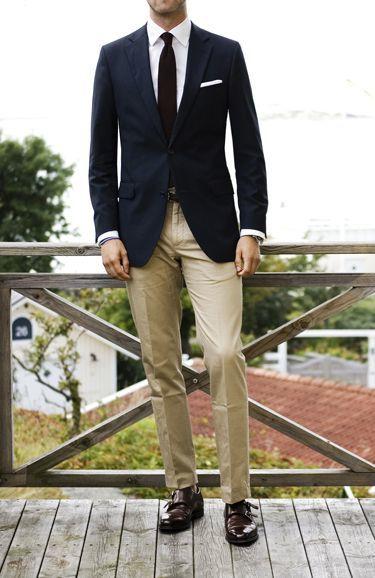 With what tie color and khaki pants shirt Men's Suit