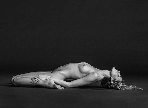 martha-nude-reclined-2014