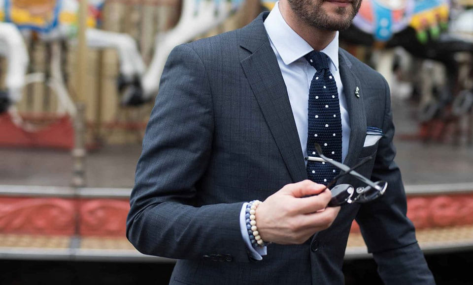 A Guide To Men's Suit Fabrics - Modern Men's Playbook