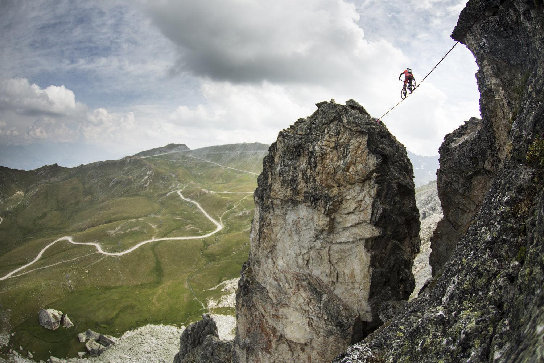 Kenny Belaey Defies Death To Ride A Slackline Over A 112m Drop
