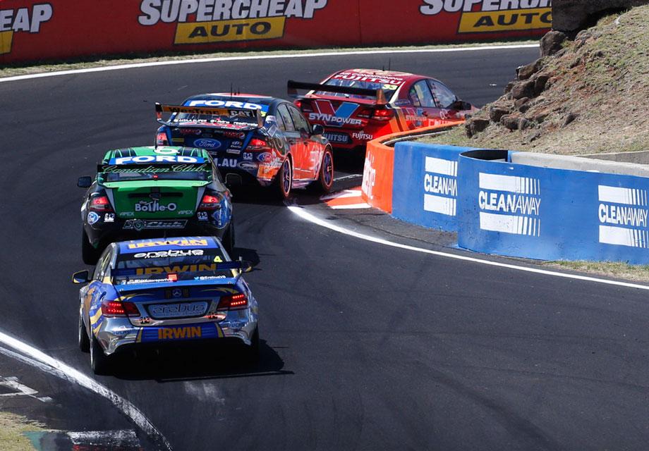 Bathurst-Race-29-race-action1.jpg
