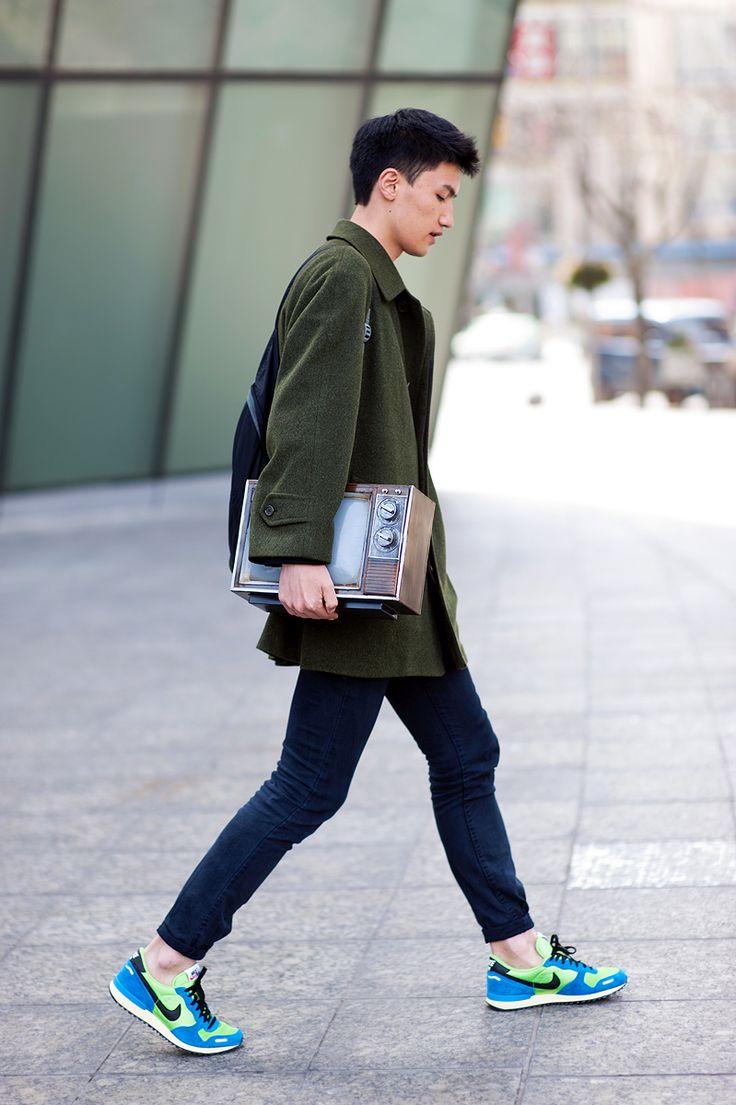 Ofensa Inmundicia Convertir  How To Wear Sneakers - Modern Men's Guide