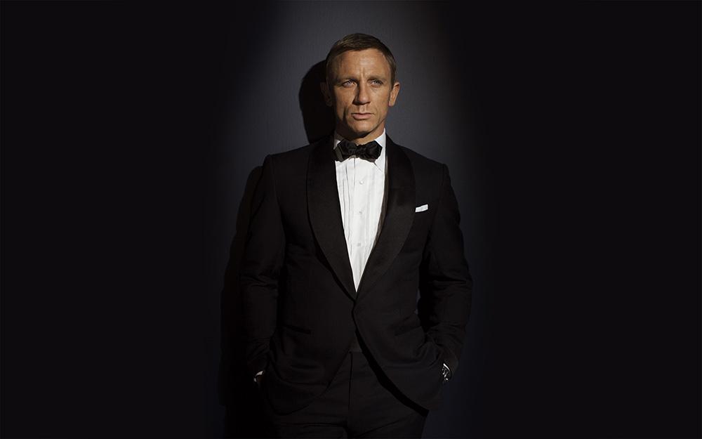 Black tie dress code wear evening wear like james bond - Daniel craig bond wallpaper ...
