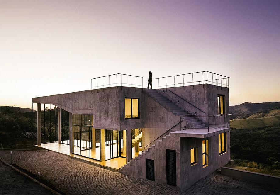 Find Industrial Bliss At Brazil's Cerrado House
