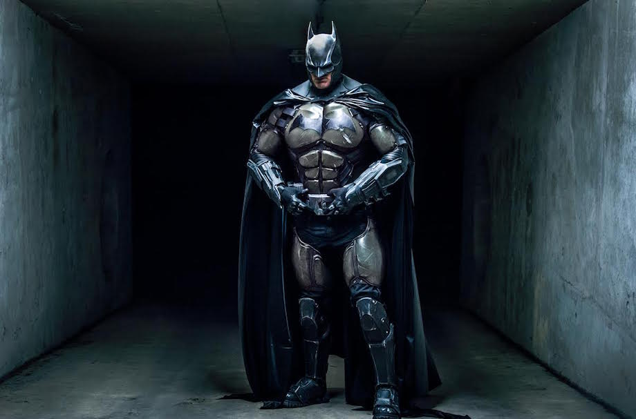 This Real-Life Batman Suit With 23 Functioning Gadgets Set A World Record