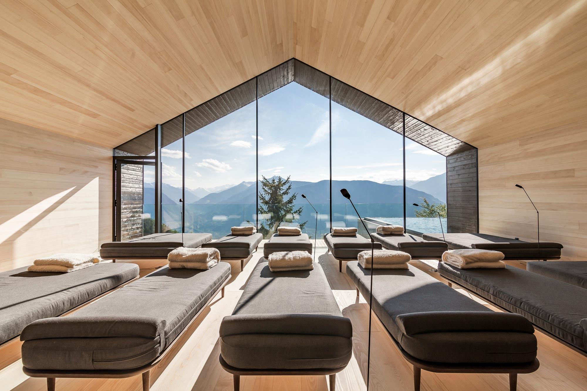 Miramonti boutique hotel showcases modern alpine luxury for Boutique hotel 2016