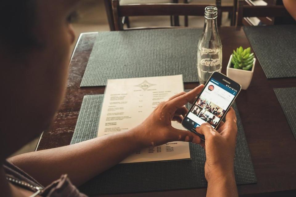 how to flirt on social media