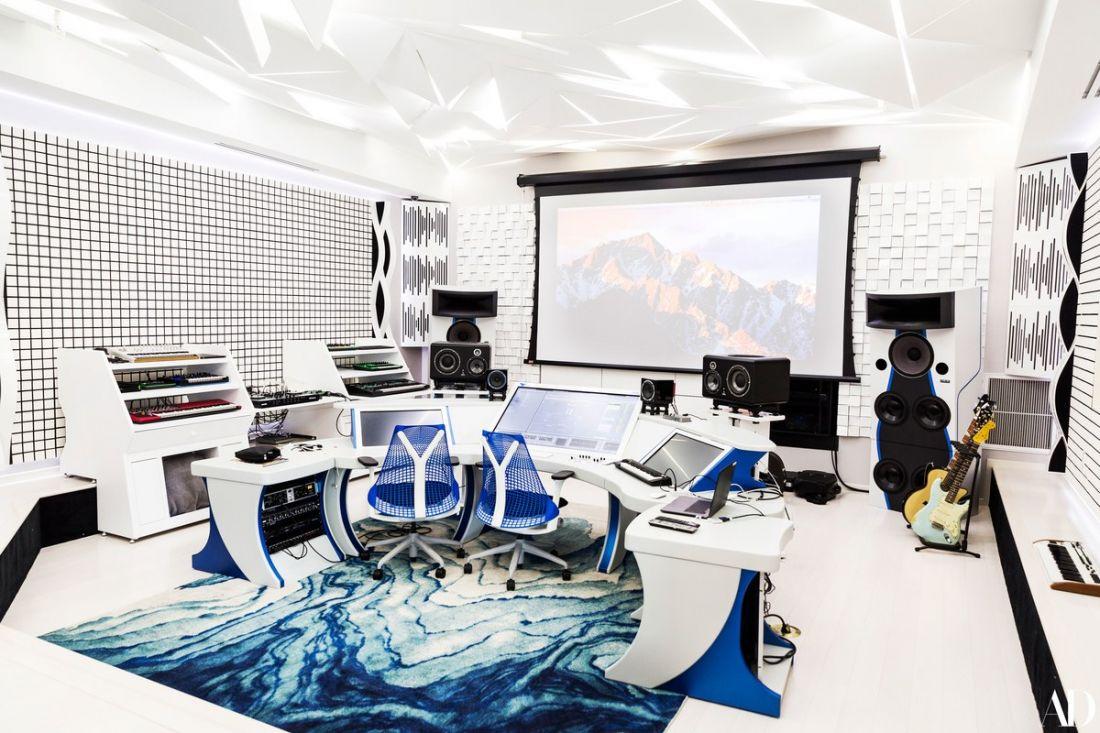 Check Out Steve Aoki's Playhouse in Las Vegas - EDMTunes