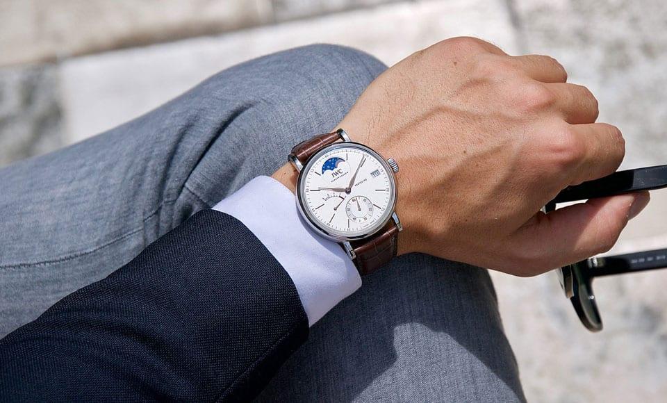 How To Wear A Watch - A Modern Men's Guide