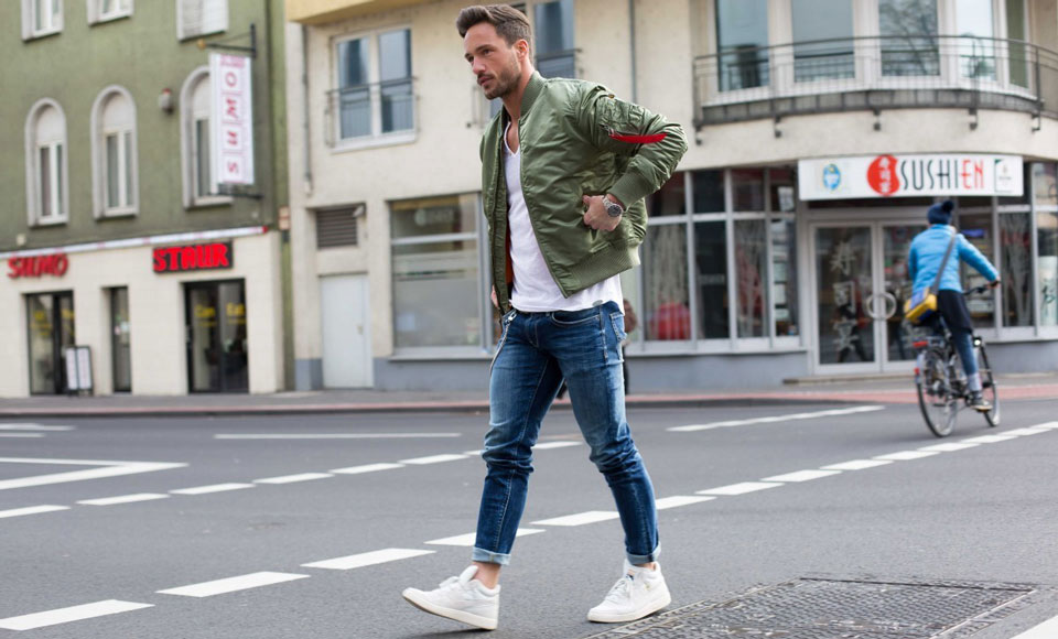 How To Wear Jeans - A Modern Men's Guide