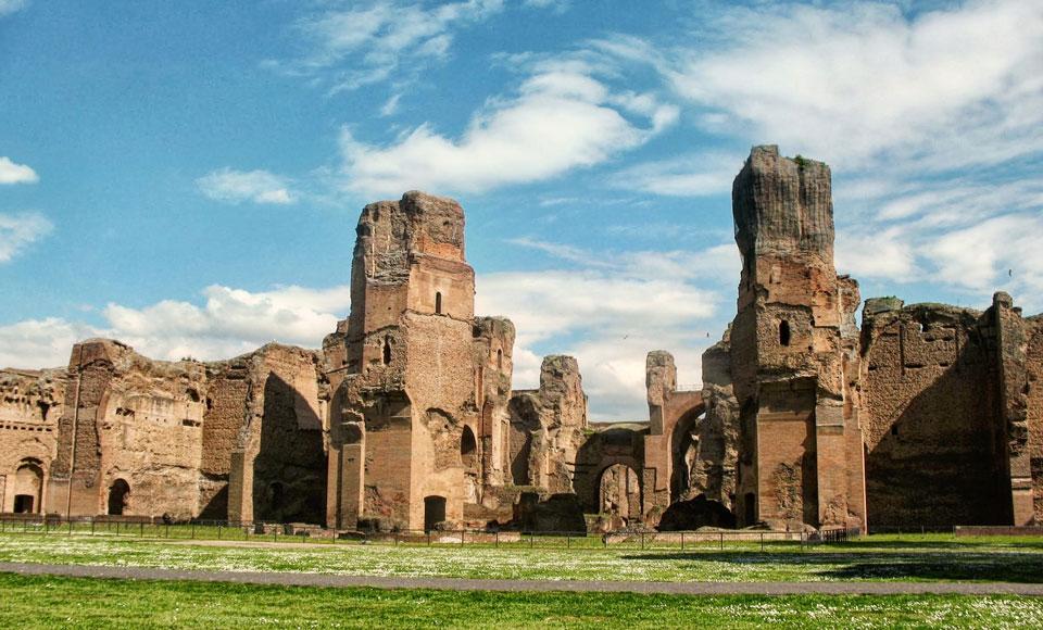 Italy Bans Australian Travellers' Favourite Food From Roman Landmark