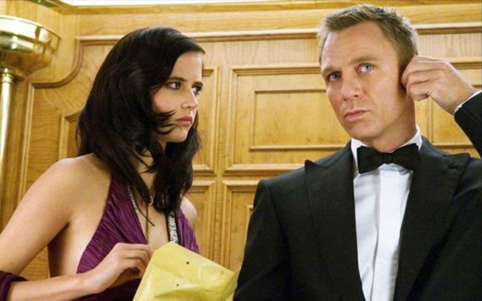 Daniel Craig Exposes Modern Society's Hypocrisy Towards Bond