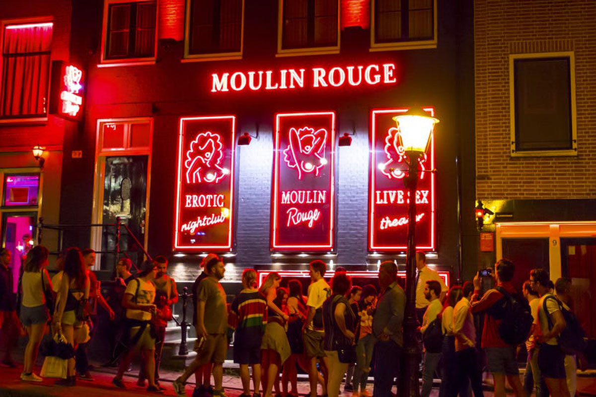 Amsterdam Considers Removing Salacious Sightseers' Spiciest Attraction
