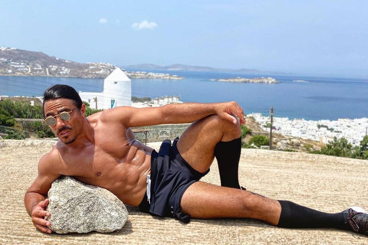Salt Bae Shows Off Genius Workout Hack For Shredded Abdominals